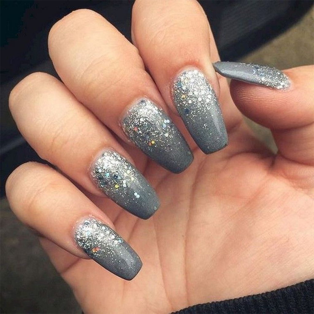The grey and silver combination looks heavenly